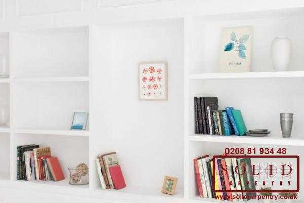 Bookcase shelves in white